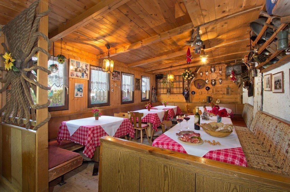 Oberpursteinhof: Bauernhof mit Buschenschank im Ahrntal/Südtirol
